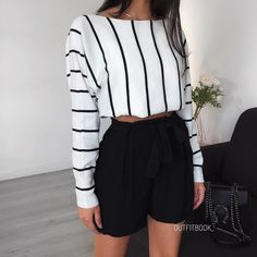 Business casual outfits for women, minimalistic fashion. Office fashion outfits Womens office clothes and office fashion trends. Fashion Mode, Look Fashion, Teen Fashion, Fashion Outfits, Womens Fashion, Office Fashion, Fashion News, Fashion Trends, Outfits For Teens