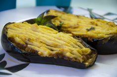 Papoutzakia gefüllte Auberginen / Papoutzakia stuffed eggplants   http://www.vivalasvegans.de/rezepte/hauptgerichte/papoutzakia-gef%C3%BCllte-auberginen/