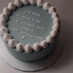 Pretty Birthday Cakes, Pretty Cakes, Elegant Birthday Cakes, Mini Cakes, Cupcake Cakes, Frog Cakes, Simple Cake Designs, Simple Cakes, Korean Cake