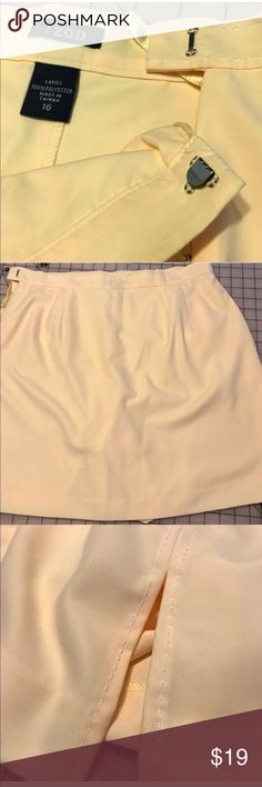 """~Yellow~ Izod Skort Lemon yellow skort is fully lined. First picture shows best color match. Side zipper, lining and hanger loops are indicative of a well made product. Bar and hook closure. On seam pockets.  Waist 17"""", Hip about 22"""" and 19"""" Long Thanks for skirting my closet! ❤️💜Roni S/jk Izod Shorts Skorts"""