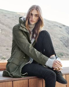 An effortless way to transition the seasons, this longline parka has utilitarian pockets and metallic hardware. The internal drawcord means you can cinch in the waist for a more flattering silhouette. #countryroadstyle