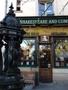 Shakespeare and Co 37 rue de la Bûcherie 75005 paris
