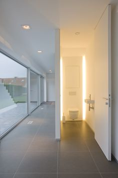 Lighting for an internal room toilet Interior Architecture, Interior And Exterior, Ideas Baños, Toilette Design, Toilet Room, Casa Real, House Doors, Bathroom Interior Design, Minimalist Design