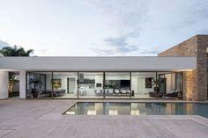 plan maison en u avec piscine au milieu - Recherche Google