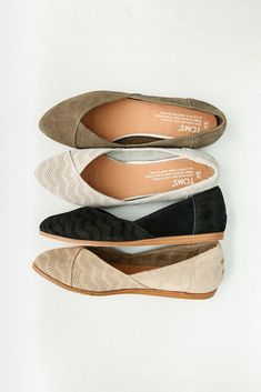 You'll start your look from the shoes up with comfortable and versatile TOMS Jutti Flats. You'll start your look from the shoes up with comfortable and versatile TOMS Jutti Flats. Comfy Shoes, Cute Shoes, Comfortable Shoes, Me Too Shoes, Casual Work Shoes, Black Work Shoes, Office Shoes, Trendy Shoes, Black Flats
