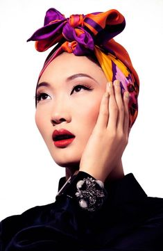 Marcas que perduran en el tiempo consumo|sentido: pañoleta Hermes y Mancornas Chanel.