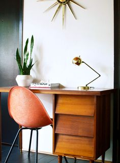 Vintage work home office design, mid century modern desk и house design. Home Office Design, Home Design, Office Decor, Office Ideas, Desk Office, Design Ideas, Design Design, Loft Office, Office Inspo