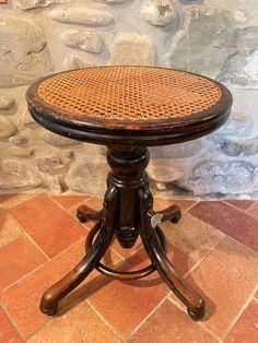 Thonet stool - Catawiki Art Nouveau Furniture, Restoration, Stool