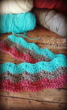 Chevron Crochet Stitch Tutorial - pink teal brown soooo beautiful!