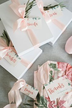 Beautiful bridesmaid gift boxes with getting ready robes | Guy Evans Photography via Ivory Tribe Wedding Day Bridesmaid Gifts, Bridemaid Box, Wedding Gift Boxes, Bridesmaid Proposal Gifts, Bridal Gift Wrapping Ideas, Wedding Favours Elegant, Wedding Party Gift Ideas, Bridesmaid Kit, Wedding Day Robes