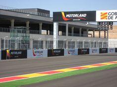 Comenzamos los #entrenamientos de #motogp en #motorland #aragon  ¡Feliz #findesemana de #motos! ;-)