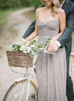 We love a sweet couple that really wants to have fun for their engagement shoot and today's engagement session from Tamara Grunerand Our Decor Events is the perfect amount of whimsy and fun! Dinne...