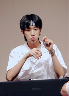 Woozi, Jeonghan, Wonwoo, Seungkwan, Vernon, Seventeen Minghao, Mullet Hairstyle, Adore U, Korean Boy