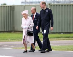 """Express Pictures on Twitter: """"The Queen and Price Philip meet the Duke of Cambridge, to open the new base Air Ambulances"""