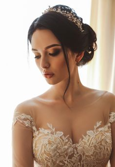These bridal photography tips will definitely help you capture stunning bridal portraits in a wedding photography of the beautiful bride. Wedding Headdress, Hairdo Wedding, Wedding Poses, Wedding Photoshoot, Fresh Wedding Makeup, Wedding Hair And Makeup, Bridal Hair, Make Up Braut, Braut Make-up