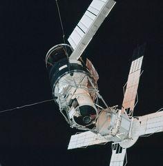 Skylab in orbit in 1973. Image credit: NASA, Wikipedia Commons
