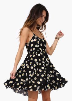 Daisy Field Dress » Simple and pretty.