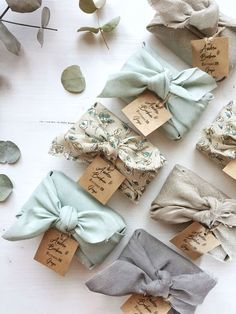 Eid Crafts, Diy Crafts For Gifts, Creative Gift Wrapping, Creative Gifts, Wrapping Ideas, Creative Gift Packaging, Japanese Gift Wrapping, Christmas Gift Wrapping, Christmas Gifts
