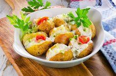 Πατάτες γεμιστές με θαλασσινά και σάλτσα λεμονιού – Χρυσελιά Fish And Seafood, Baked Potato, Potato Salad, Shrimp, Food And Drink, Baking, Healthy, Ethnic Recipes, Bakken