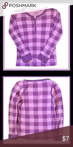 Old Navy Girl's Long Sleeve Shirt 💜Gently used Old Navy girls long sleeve waffle knit top.                                                  💜The tag is cut out but the size is 7/8 Old Navy Shirts & Tops Tees - Long Sleeve
