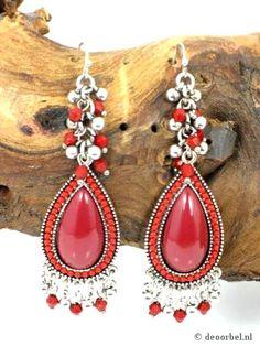 Mooie rode oorbellen met kraaltjes (hanger) voor maar 6,95 per paar bij Deoorbel