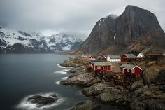 carmen-art:Hamnøy (Lofoten, Norway)For more images from Lofoten, taken by Carmen Ioneanu and her husband, please visit:http://www.ioneanu.com/p533302690
