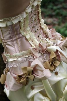 corset with bows