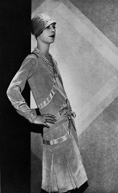 "Les Modes (paris) March 1928 ""Crapotte"" robe d'apres-midi par Beer 20s Fashion, Art Deco Fashion, Fashion History, Fashion Photo, Retro Fashion, Vintage Fashion, Fashion Design, Paris Fashion, Belle Epoque"