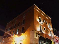 Tu próxima estancia en #Morelia al mejor precio! Además con excelente ubicación en el centro de la ciudad, quédate con nosotros! #SéBienvenidoAquí Teléfono 01(443)3121163