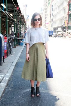 Not sure I can get away w/these proportions b/c of my height & shape, but the midi & crop are so effortless/chic, esp in the summer heat. #streetstyle