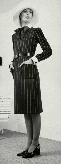 1971 Nina Ricci designer 70s pinstripe day dress button front bow tie neckline belt secretary