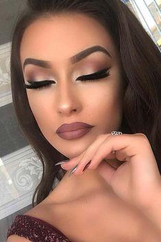 40 Neueste Smokey Eye Makeup-Ideen 2019 - make up - # . - Interessante Makeup-Taktiken - Make up augen Wedding Makeup Tips, Eye Makeup Tips, Eyeshadow Makeup, Bridal Makeup, Makeup Brushes, Makeup Ideas, Prom Makeup, Makeup 2018, Beauty Brushes