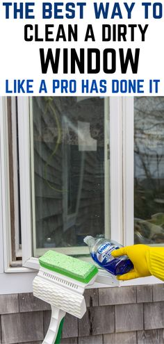 Cleaning Outside Windows, Cleaning Window Tracks, Window Cleaning Tips, Household Cleaning Tips, Cleaning Walls, Cleaning Recipes, House Cleaning Tips, Diy Cleaning Products, Bathroom Cleaning Tips