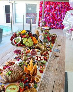 Top Ten Grazing Table to Groom Your Event Food Platters, Cheese Platters, Antipasto, Buffets, Tapas, Appetizer Buffet, Fruit Decorations, Grazing Tables, Veggie Tray