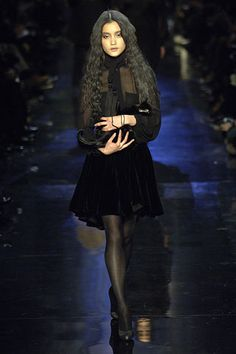 Jean Paul Gaultier Fall 2006 RTW - Runway Photos - Fashion Week - Runway, Fashion Shows and Collections - Vogue