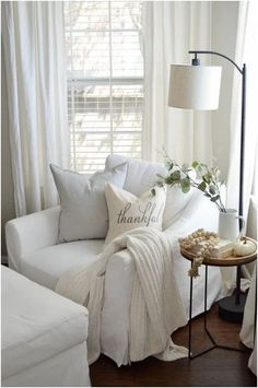 The post White slipcovered chair living room. Cozy living room decor ideas& appeared first on Blue Dream Pins. Living Room Decor Cozy, Living Room Lighting, Living Room Chairs, Home Living Room, Living Room Designs, Cozy Bedroom, Sitting Room Decor, Cozy Master Bedroom Ideas, Modern Bedroom