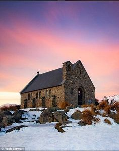 Church of the Good Shepherd by Rachel will be capturing for awesome South Island images on her upcoming adventure very soon Beautiful World, Beautiful Places, 6d Canon, Nz South Island, Lake Tekapo, Visit New Zealand, The Good Shepherd, Cathedral Church, Album Photo