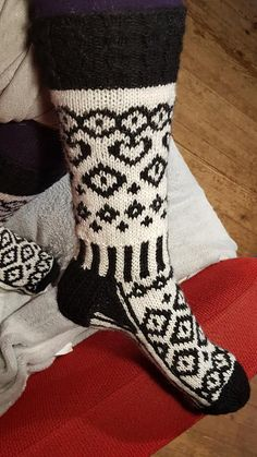 Knitting Socks, Slippers, Warm, Cookies, Tutorials, Knit Socks, Crack Crackers, Biscuits, Slipper