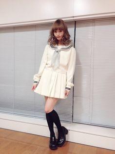 このあと18:56~20:54日本テレビ「踊る!さんま御殿!!」がON AIRされます♡全員セーラー服 SP!ということでわたしも人生はじめてのセーラー服を着…