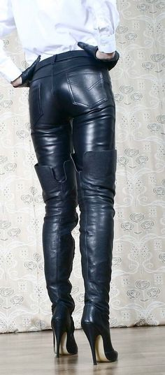 That's how to wear OTK Boots. That's how to wear OTK Boots…! Thigh High Boots, High Heel Boots, Heeled Boots, High Leather Boots, Leather Jeans, Leder Outfits, Stiletto Boots, Hot High Heels, Long Boots