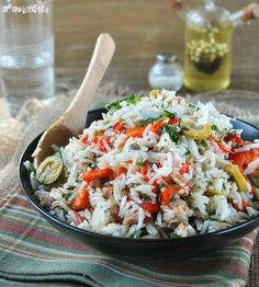 Rice salad with tuna. Rice salad with tuna and roasted peppers (in Spanish) Rice Recipes, Seafood Recipes, Mexican Food Recipes, Gourmet Recipes, Italian Recipes, Healthy Recipes, Ethnic Recipes, Rice Pasta, Rice Salad