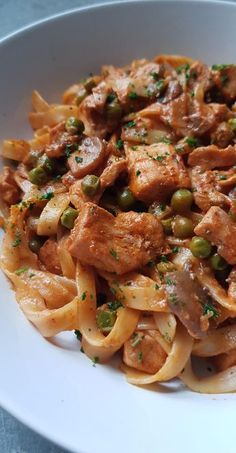Stroganoff Chicken Tagliatelle - Meine leckere Küche Tagliatelles au poulet façon stroganoff - My tasty cuisine, Pasta Recipes, Beef Recipes, Italian Recipes, Chicken Recipes, Cooking Recipes, Healthy Recipes, Chicken Stroganoff, Pasta Dishes, Spaghetti