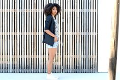 Eté indien lirons d'elle blog vanessa #Blogueuse afro #blogueuse #france #natural hair #team natural #mode #look #basic #simple #look #mode#trend#kinky #curly #hair #wash and go #kinky coily #hair #4a #4b #blow out #palmtree tshirt #converse #teamnaturalfr