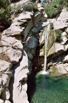 Top 5 cliff jumping destinations in Southern Cali! Places Around The World, Oh The Places You'll Go, Places To Travel, Places To Visit, Around The Worlds, Hiking Places, Hiking Spots, Destinations, California Travel