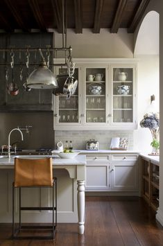 "georgianadesign:  ""New England residence. Designer Michael Smith. Artichoke kitchen and bath designers, London.  """