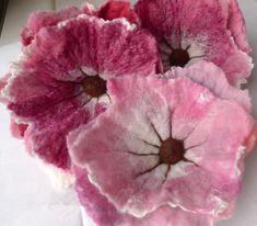Queen Heron Creations: Custom Hand Felted flowers