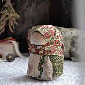 """Купить или заказать кукла Благополучница """" С любовью.Зима"""" в интернет магазине на Ярмарке Мастеров. С доставкой по России и СНГ. Материалы: хлопок, лён, кружево хлопок, нитки…. Размер: 9 см"""