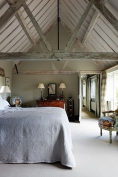 English Country Bedroom in Grey - Bedroom Design Ideas & Pictures (houseandgarden.co.uk)
