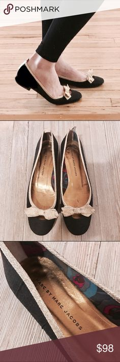 Marc by Marc Jacobs glittery bow flats! 💕❤️ LOVE these! I'm a 7 and they fit but still a little loose. I recommend a 7.5 would fit perfectly! Excellent excellent condition. So cute!! 😍😍😍 Marc by Marc Jacobs Shoes Flats & Loafers