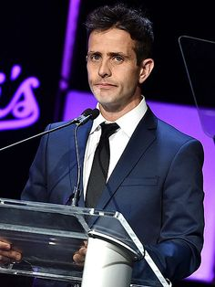 Joey McIntyre Talks Healing after Losing His Mother to Alzheimer's